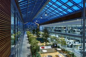 Un edifico a risparmio energetico: la sede Prysmian Group.