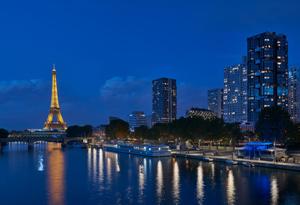 Éclairage coordonné pour les bords de Seine