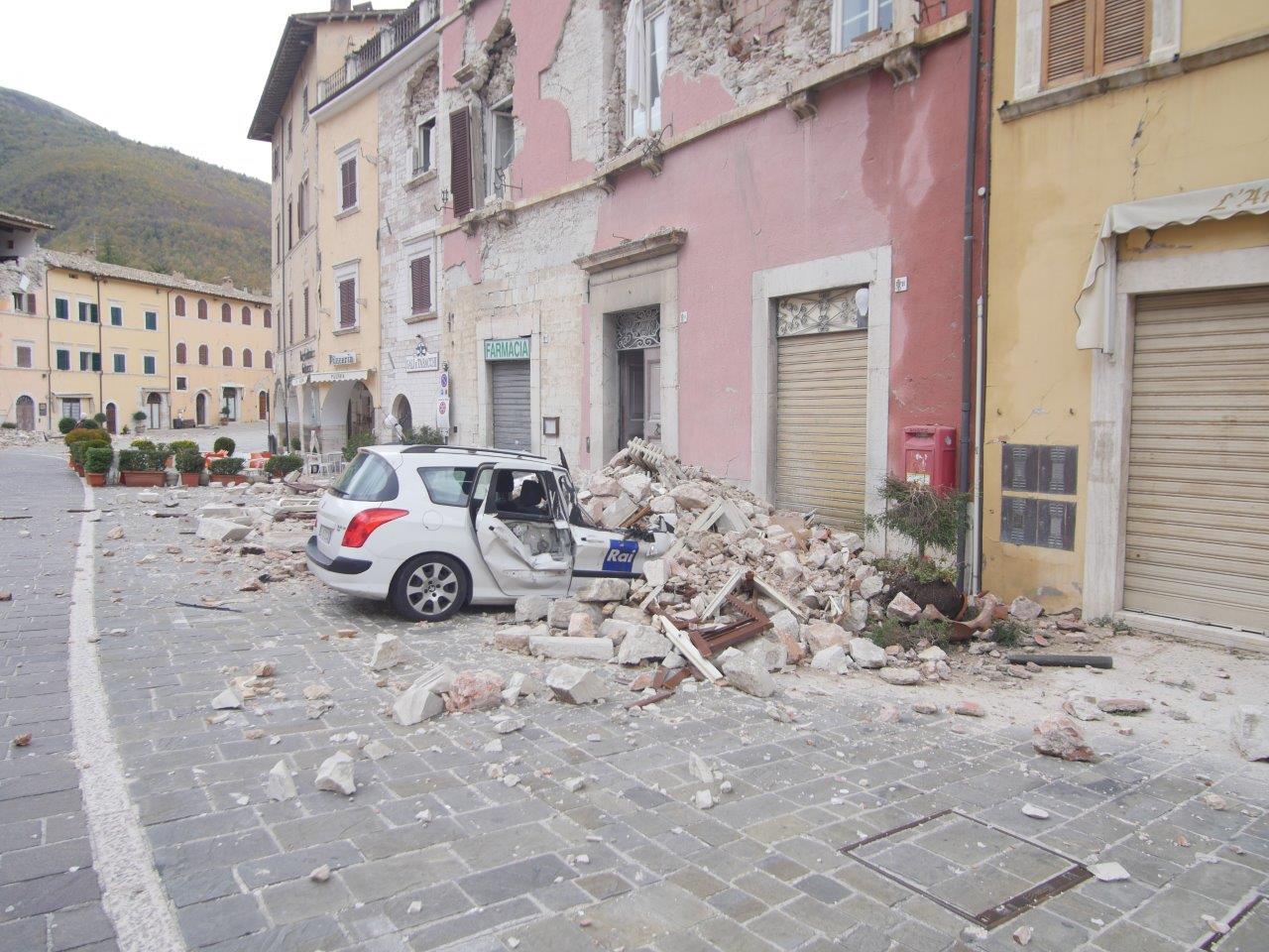 I danni dei terremoti a Visso