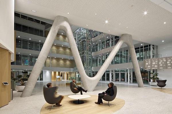 L'Illuminazione della sede regionale di una delle principali banche francesi